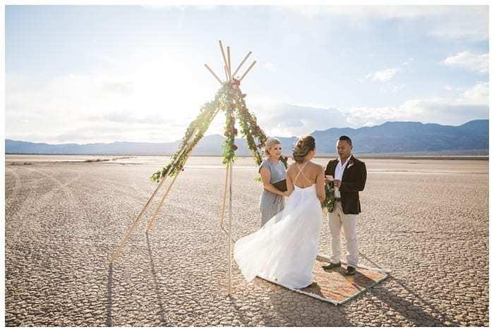 Dry-Lake-Bed-Wedding-Tee-Pee-Arch0017