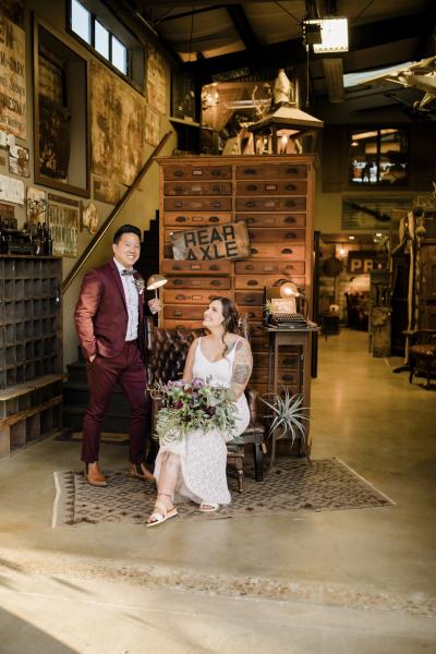 the-barn-vintage-marketplace-wedding_11