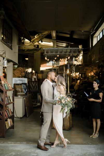 the-barn-vintage-marketplace-wedding_3