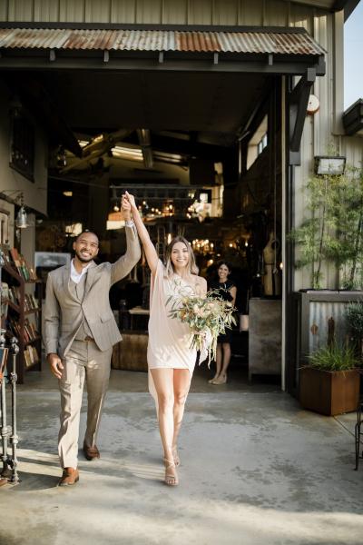 the-barn-vintage-marketplace-wedding_4
