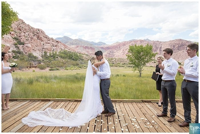 Weddings At Red Rock Canyon Las Vegas Photographers Elopement