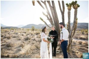 Las Vegas Elopement Packages in the Desert